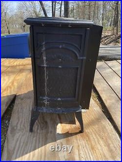 Vermont Castings Vent Free Gas Heater UVS27R With Gas Logs Included